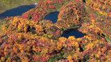秋色模様織りなす山肌 層雲峡・大雪高原温泉で紅葉ピーク