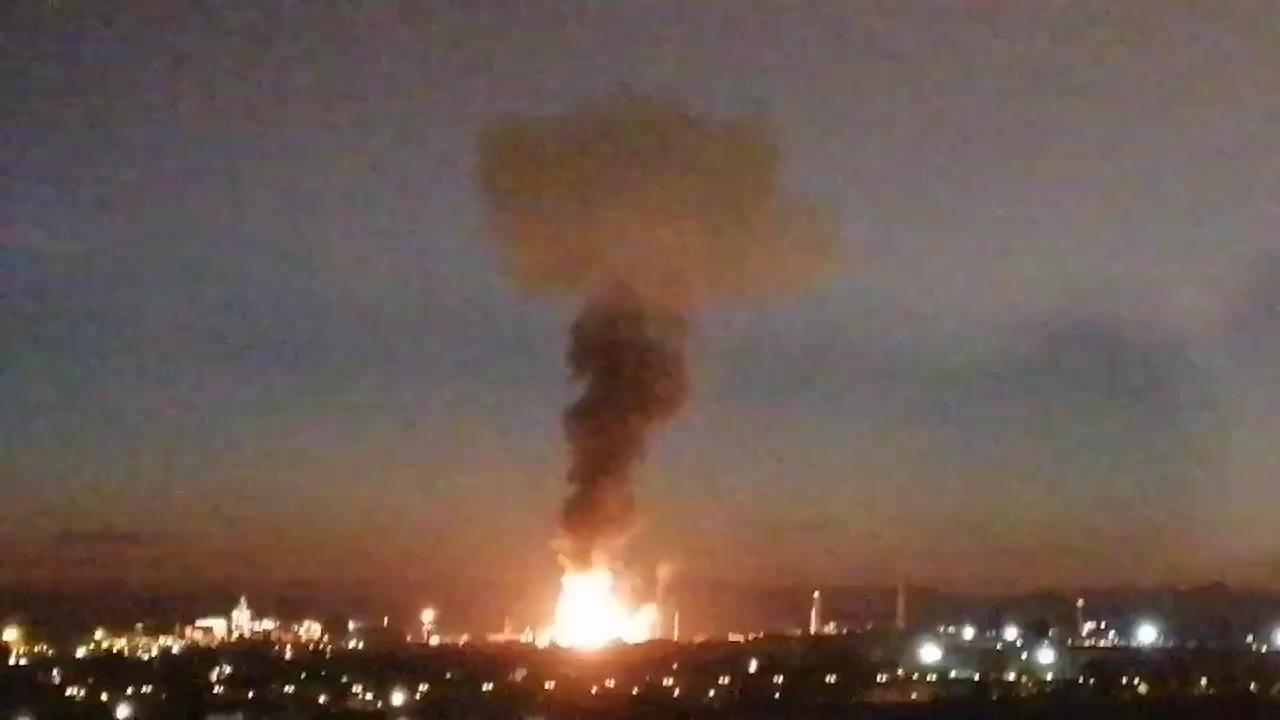 動画:スペインの化学工場で爆発 3人死亡 写真1枚 国際ニュース:AFPBB ...
